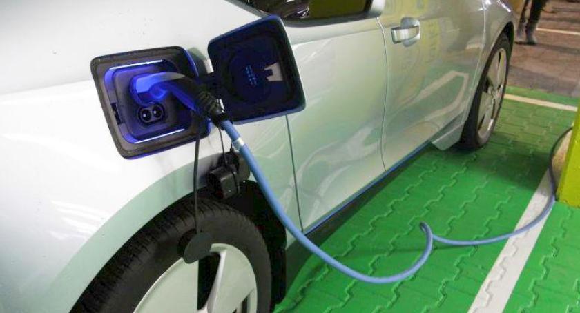 Technologia, kolejnych stacji ładowania elektrycznych samochodów - zdjęcie, fotografia