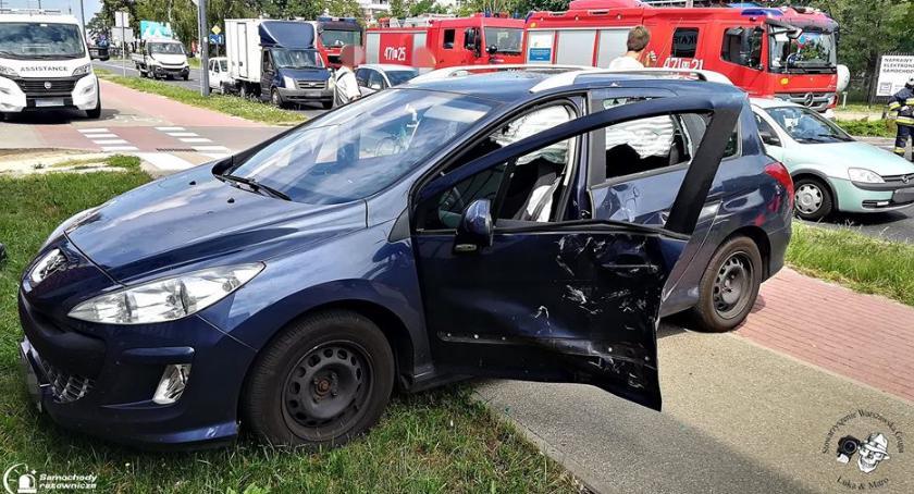Wypadki, Zderzenie samochodu skuterem [ZDJĘCIA] - zdjęcie, fotografia