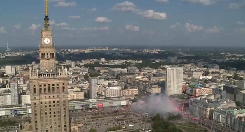 Historia Warszawy, Całe miasto chwilę stanęło Godzina Warszawie - zdjęcie, fotografia