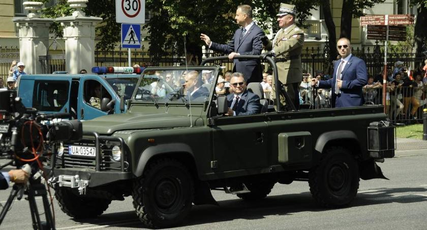 Historia Warszawy, Defilada Wojska Polskiego sierpnia [PROGRAM TRASA] - zdjęcie, fotografia