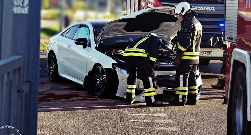 Wypadki, Kolizja skrzyżowaniu [ZDJĘCIA] - zdjęcie, fotografia