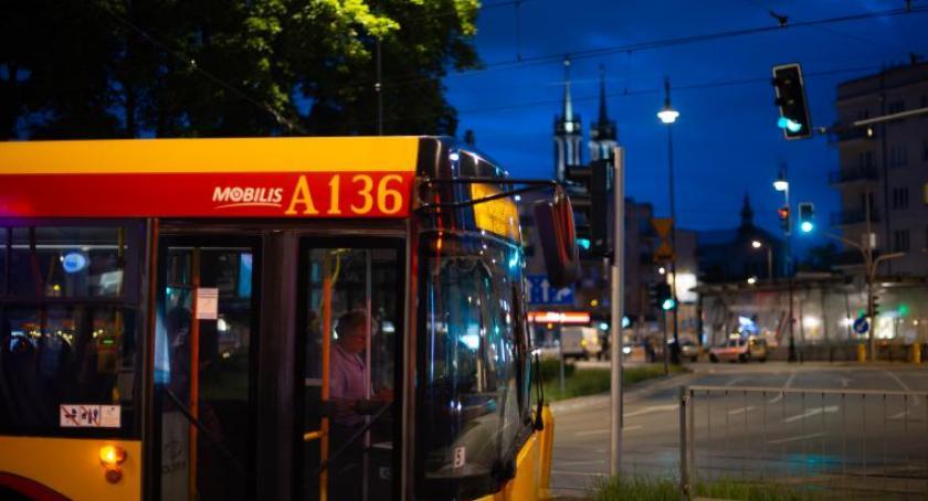 Transport publiczny - komunikacja, weekend próba wojskowej defilady Wielkie zmiany komunikacji zamknięte ulice - zdjęcie, fotografia