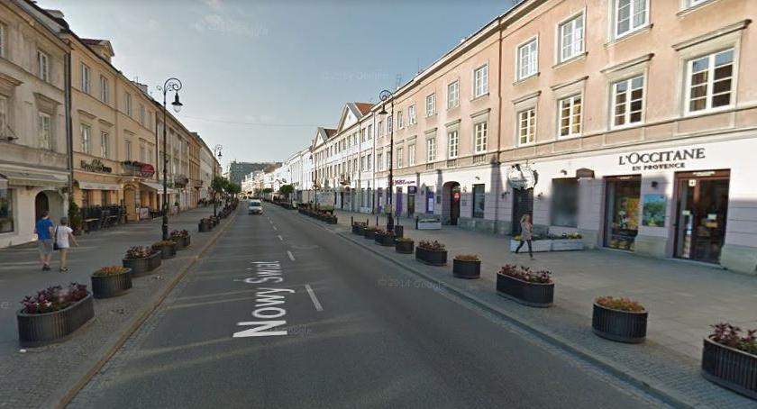 Ulice – place , Świat Krakowskie Przedmieście poniedziałku tylko pieszych rowerzystów - zdjęcie, fotografia