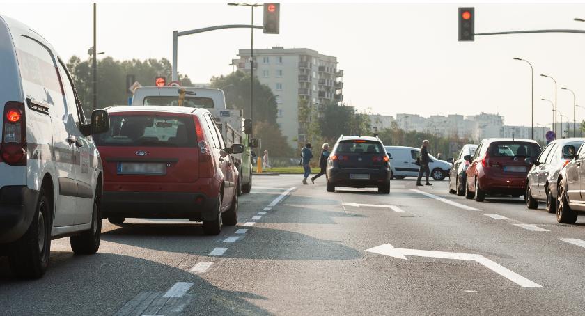 Ulice – place , Zmiany skrzyżowaniu Pileckiego Cieszewskiego - zdjęcie, fotografia