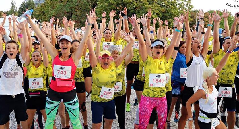Biegi - maratony, Wieczorny Półmaraton Praski [ZDJĘCIA] - zdjęcie, fotografia