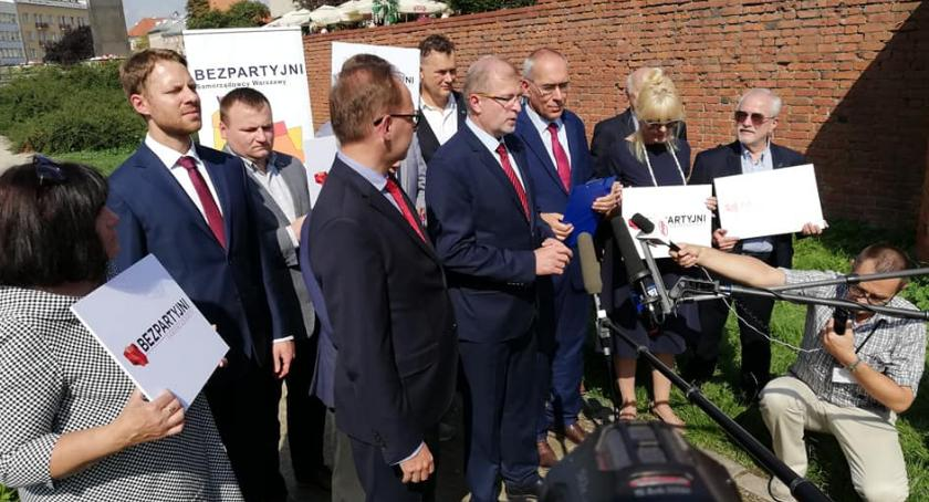Wybory samorządowe 2018, Bezpartyjni prezentują swoich liderów Miasta - zdjęcie, fotografia