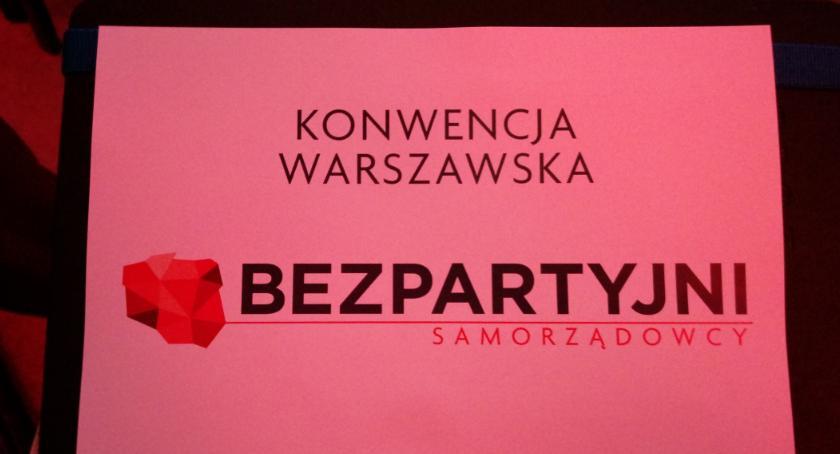 """Polityka, """"Służymy ludziom partiom"""" - zdjęcie, fotografia"""