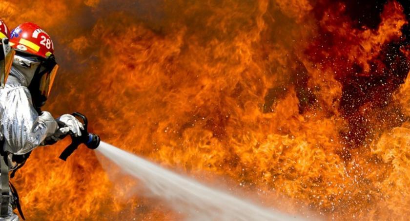 Pożary, Pożar Stegnach jedna osoba żyje druga ranna szpitalu - zdjęcie, fotografia