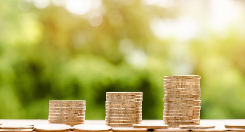 Prawo, wzrośnie minimalne wynagrodzenie - zdjęcie, fotografia