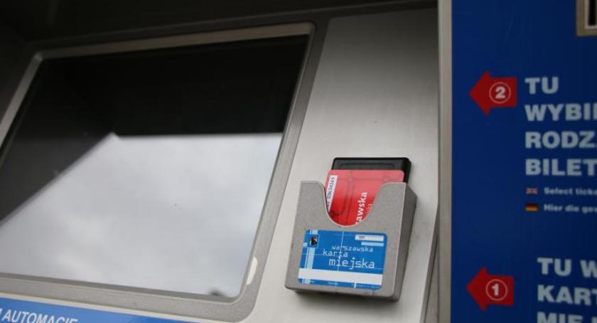 Transport publiczny - komunikacja, Pamiętaj przedłużeniu hologramu! - zdjęcie, fotografia