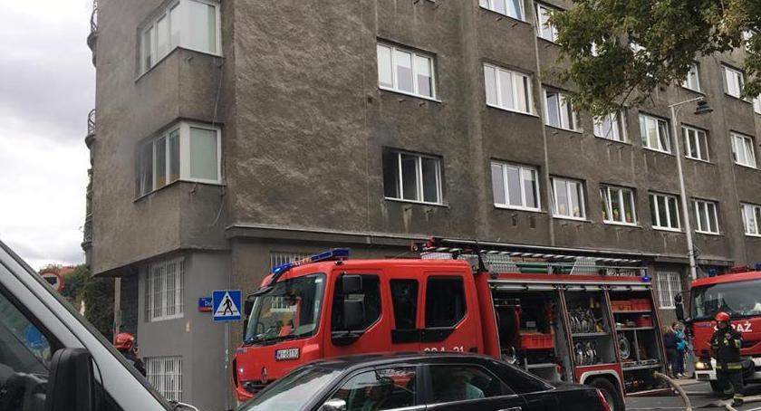 Pożary, Pożar mieszkania Dobrej [ZDJĘCIA] - zdjęcie, fotografia