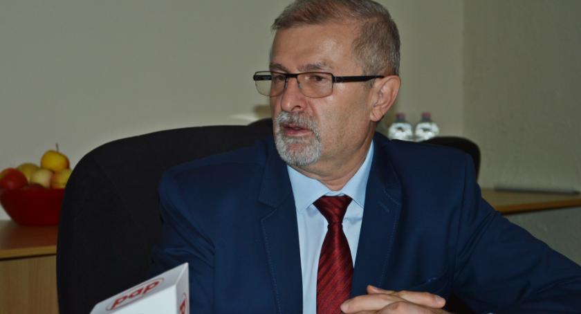 Sławomir Antonik przedstawia kolejne propozycje udogodnień dla młodzieży i przedsiębiorców