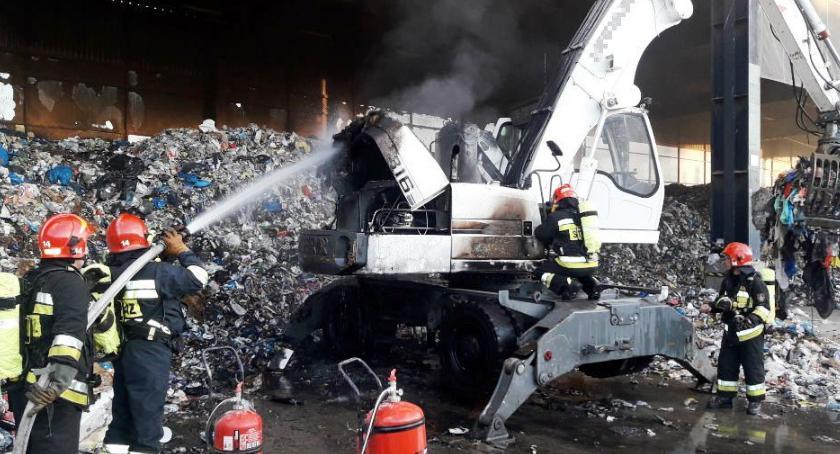 Pożary, Pożar koparki sortowni śmieci Straż publikuje zdjęcia - zdjęcie, fotografia