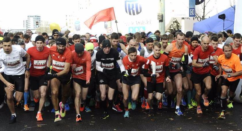 Biegi - maratony, Niepodległości ruszyły zapisy - zdjęcie, fotografia