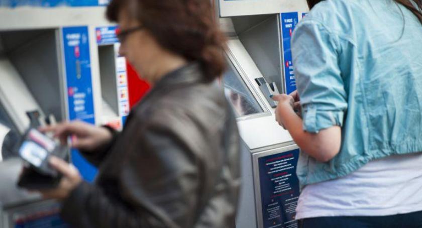 Transport publiczny - komunikacja, przedłużyłeś hologramu teraz - zdjęcie, fotografia