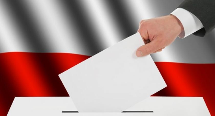 Wybory samorządowe 2018, głosować żeby głos ważny Przeczytajmy zapamiętajmy - zdjęcie, fotografia