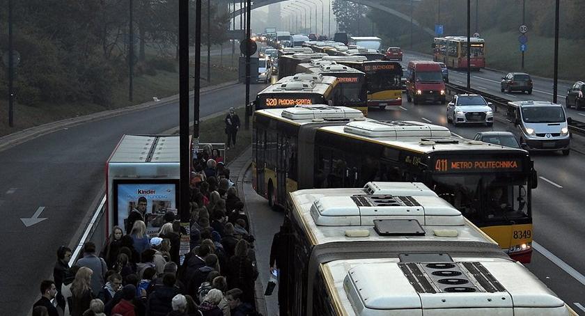 NEWS, Zator Armii Ludowej spowodowany awarią drzwi autobusie - zdjęcie, fotografia