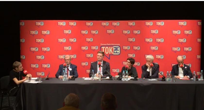 Wybory samorządowe 2018, Debata prezydencka czyli prowadząca tokuje - zdjęcie, fotografia