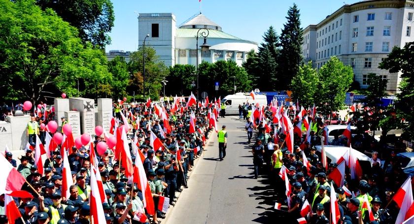 NEWS, Strajk celników przeniósł Warszawy - zdjęcie, fotografia
