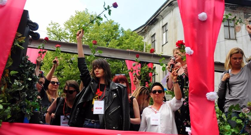NEWS, Marsz Godności obronie kobiet [zdjęcia] - zdjęcie, fotografia