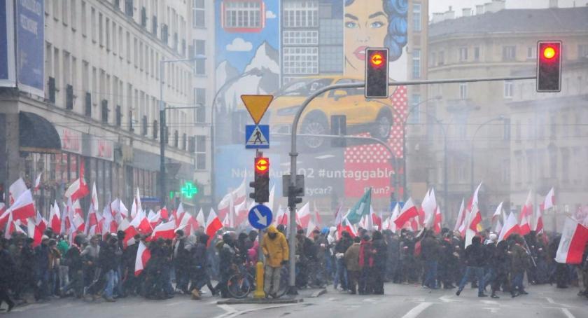 Imprezy, Wydarzenia, Ciężkie mieszkańców Śródmieścia powodu rocznicy Niepodległości Polski - zdjęcie, fotografia