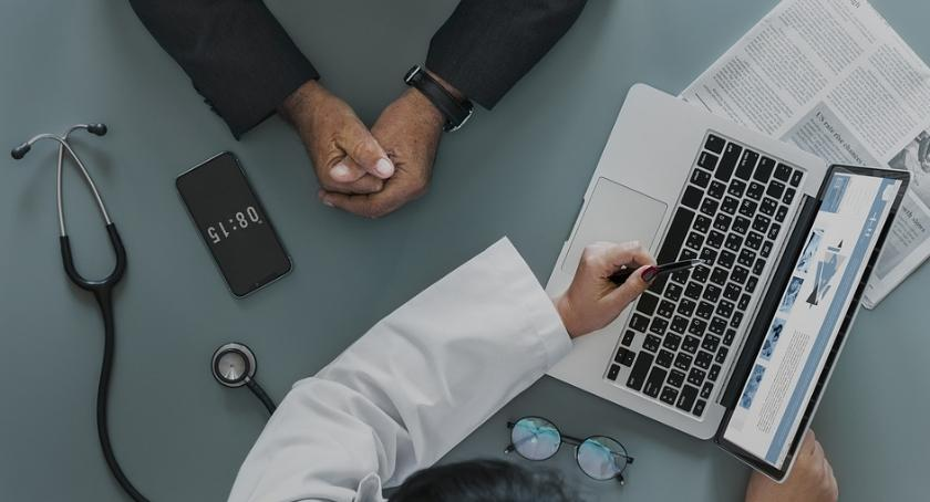 Zdrowie, System usług spotkał pozytywnym odbiorem mówi dyrektor Szpitala Inflancka - zdjęcie, fotografia