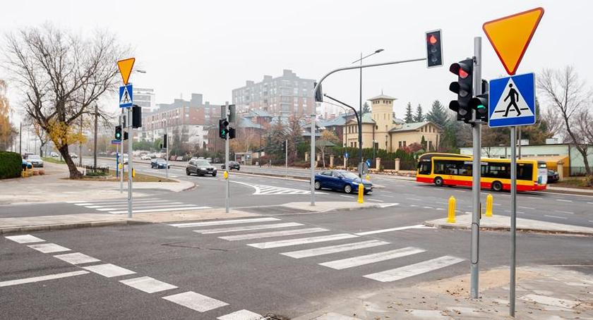 Ulice – place , światła Wilanowskiej lepiej [ZDJĘCIA] - zdjęcie, fotografia