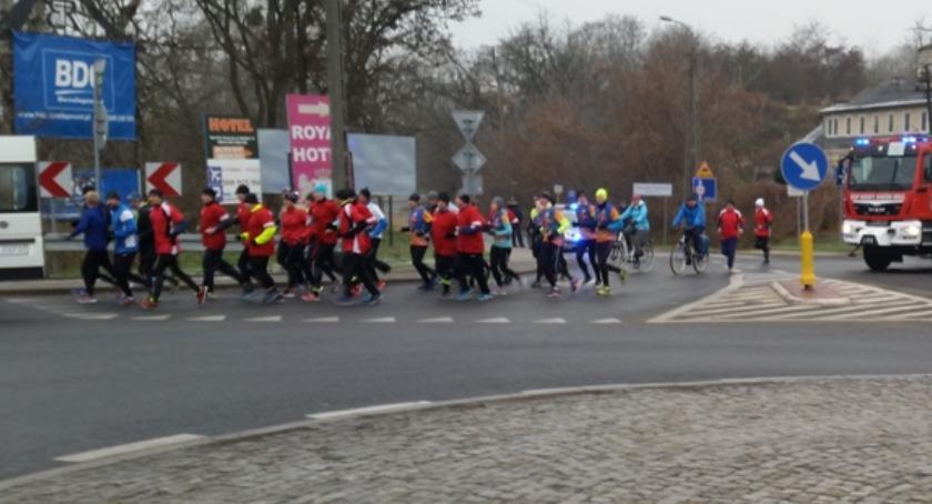 Biegi - maratony, Modlina Centrum Zdrowia Dziecka Pobiegli życie Kacperka - zdjęcie, fotografia