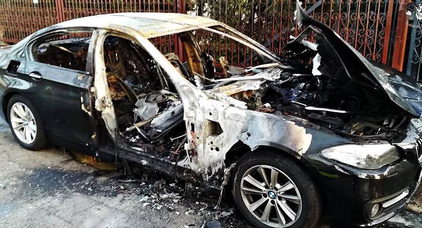 Pożary, Spalił samochód zazdrosny [ZDJĘCIA] - zdjęcie, fotografia