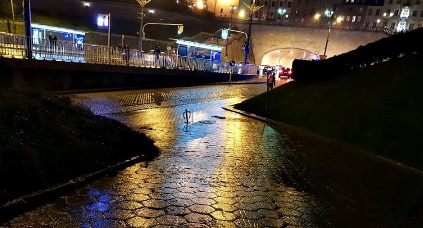 Prognoza pogody, Szklanka drogach chodnikach Uważajcie! [drastyczne ZDJĘCIE] - zdjęcie, fotografia