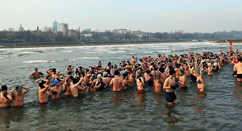 Imprezy, Wydarzenia, Warszawskie Morsy trenują plaży Rusałka Dołączycie [ZDJĘCIA] - zdjęcie, fotografia