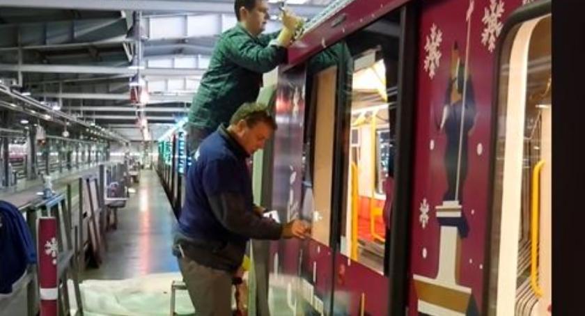 Metro, Metro świątecznej odsłonie - zdjęcie, fotografia
