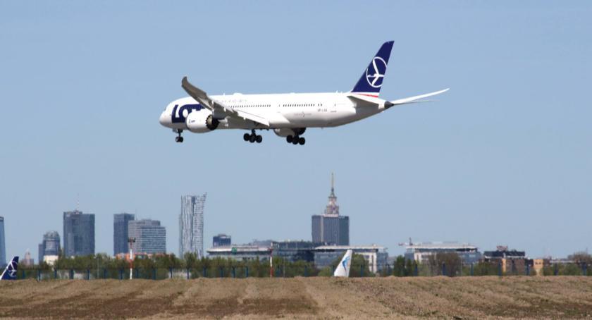Lotniska, Rekordowy Lotniska Chopina Coraz więcej pasażerów - zdjęcie, fotografia