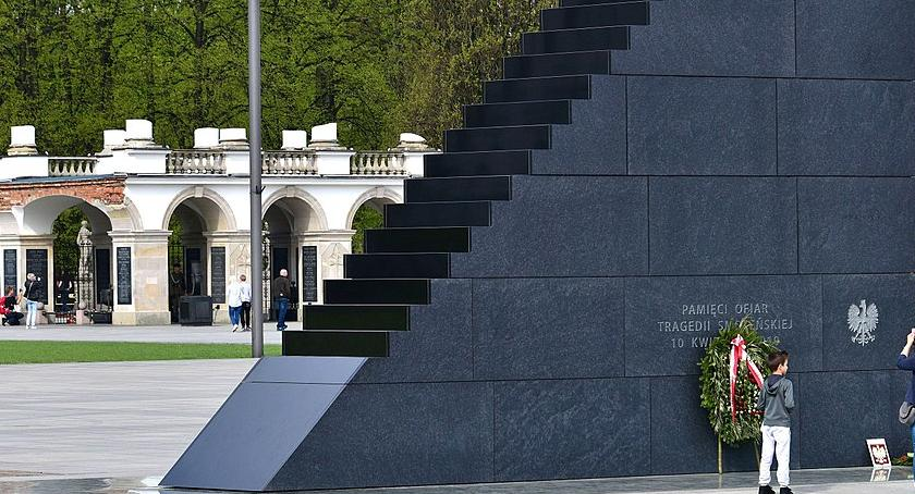 NEWS, Referendum sprawie pomników smoleńskich Niewykluczone - zdjęcie, fotografia
