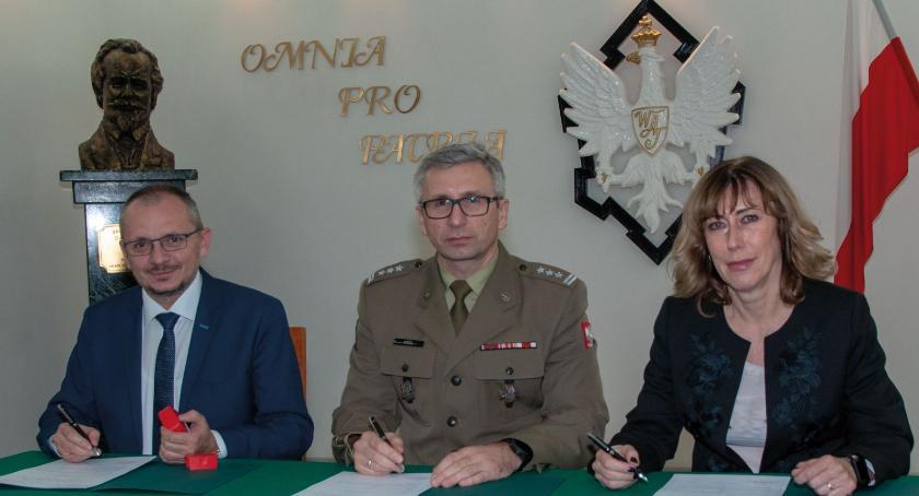 NEWS, Setna szkoła objęta patronatem Wojskowej Akademii Technicznej - zdjęcie, fotografia