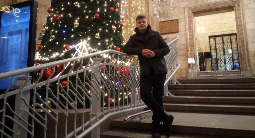 Ludzie PKiN, Świąteczny Przedstawiamy Filipa - zdjęcie, fotografia