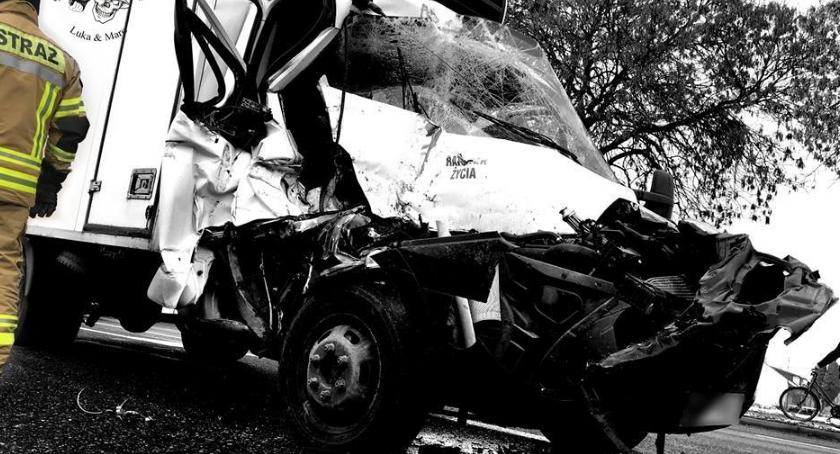 Wypadki, zmiażdżony przez samochód ciężarowy [ZDJĘCIA] - zdjęcie, fotografia
