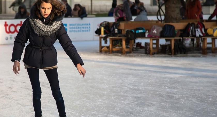 Sport, Warszawo świętach lodowiska pływalnie końca bezpłatne - zdjęcie, fotografia