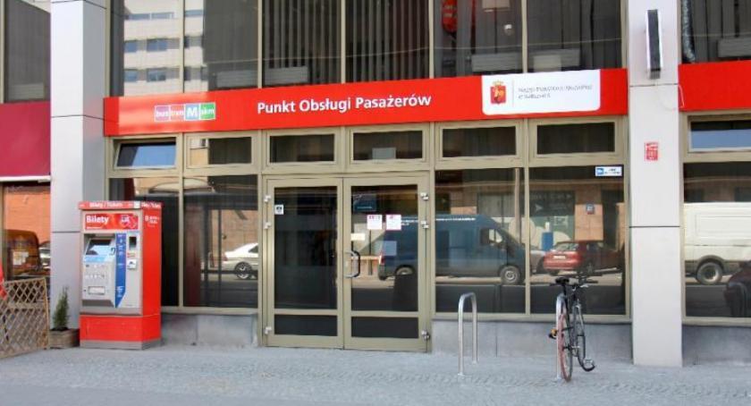Transport publiczny - komunikacja, Dzisiaj Punkty Obsługi Pasażerów czynne krócej - zdjęcie, fotografia