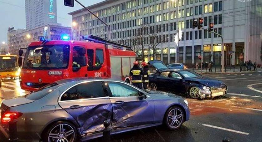 Wypadki, Trudna środa ulicach miasta Wiele groźnych kolizji [ZDJĘCIA] - zdjęcie, fotografia
