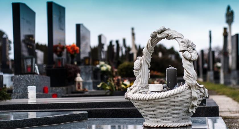 Religia - kościoły - święta, Niezbędne formalności związane pożegnaniem osoby bliskiej organizacji pogrzebu - zdjęcie, fotografia
