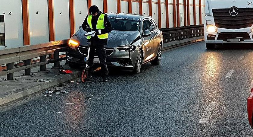 Wypadki, Zderzenie dwóch Trasie Siekierkowskiej [ZDJĘCIA] - zdjęcie, fotografia