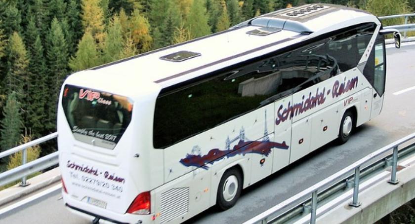 Bezpieczeństwo, Ruszają kontrole autokarów przed feriami Zadbaj bezpieczeństwo dziecka - zdjęcie, fotografia