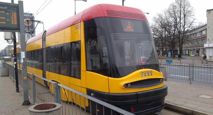 Tramwaje, Kolejne tablice świetlne przystankach wkrótce - zdjęcie, fotografia