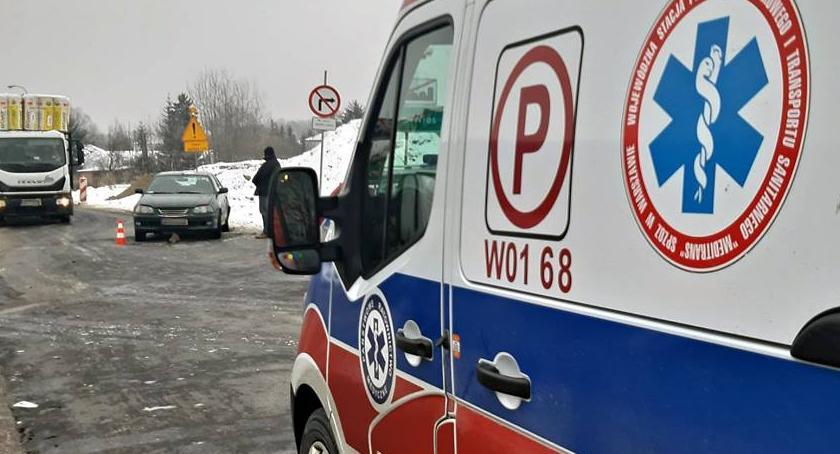 Wypadki, Taksówkarz uprawnień wymusił pierwszeństwo [ZDJĘCIA] - zdjęcie, fotografia