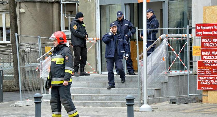 NEWS, Informacja bombie ratuszu Służby postawione [ZDJĘCIA] - zdjęcie, fotografia