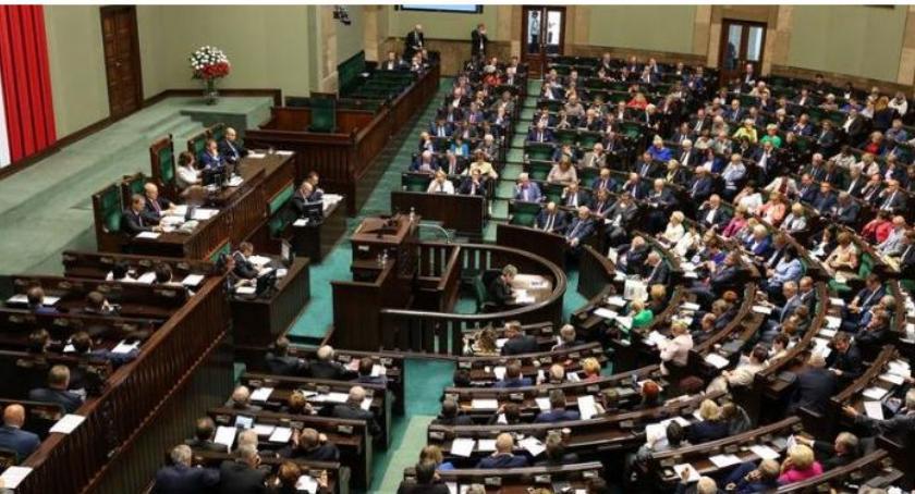 Polityka, Lewica lewicuje ośmiesza - zdjęcie, fotografia