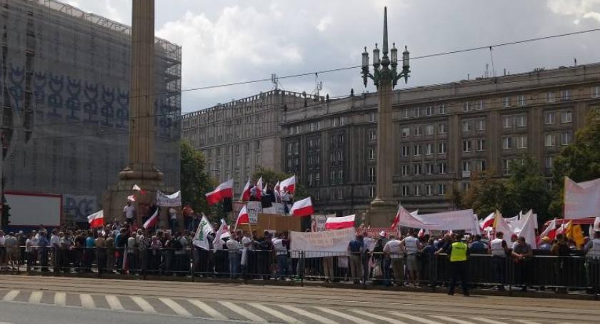 Protesty i manifestacje, Rolnicy planują oblężenie Warszawy - zdjęcie, fotografia