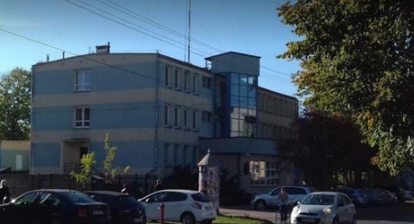 NEWS, Malował sprayem budynku komendy - zdjęcie, fotografia