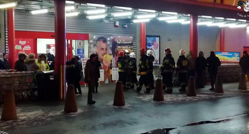 NEWS, Alarmy bombowe sklepach Kaufland - zdjęcie, fotografia